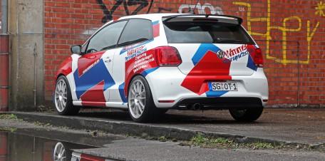 Nicht nur sein Hinterteil ist knackig: Dieser VW Polo R WRC birgt echte Power in sich.