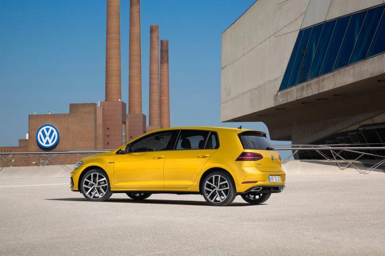 Seitenansicht des VW Golf 7 Facelift