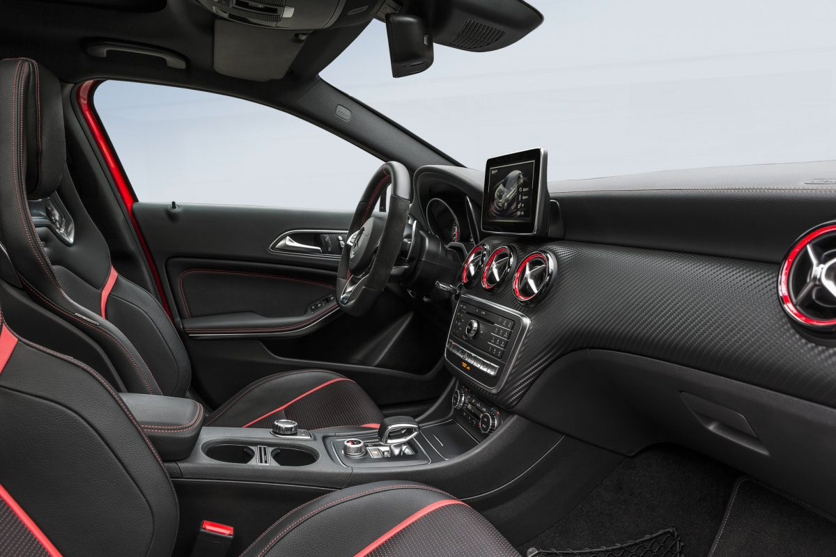 mercedes a 45 amg facelift mit stolzen 381 weltklasse ps. Black Bedroom Furniture Sets. Home Design Ideas