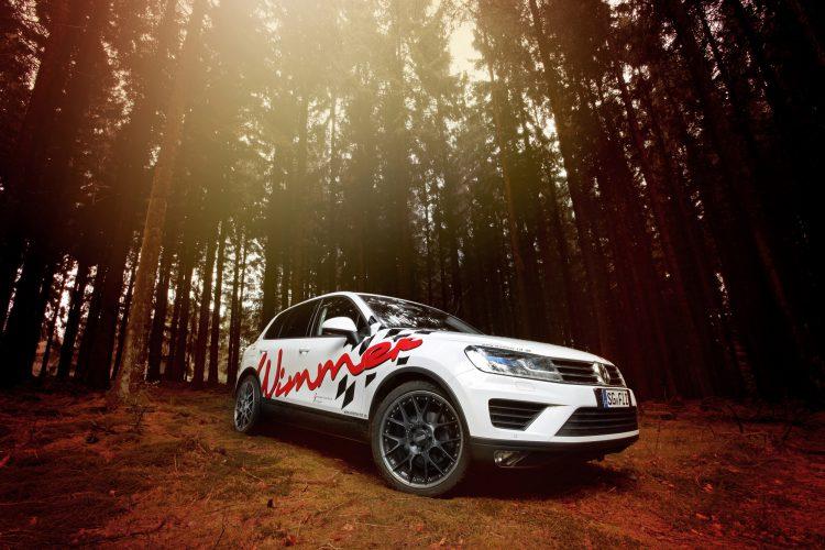 Nicht nur die Leistung des VW Touareg fällt ins Gewicht, sondern auch die optischen Aufwertungen an der Außenhaut.