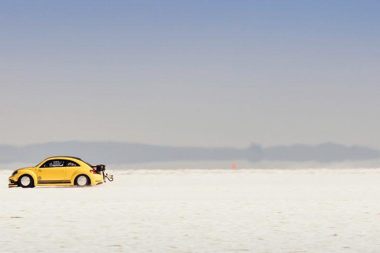 Einmal durch die Salzlandschaft bitte: Seine Rekordfahrt durfte der VW Beetle LSR im US-amerikanischen Utah vollziehen.