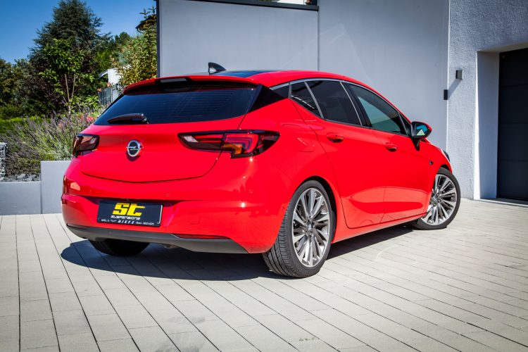 Heckansicht des Opel Astra K