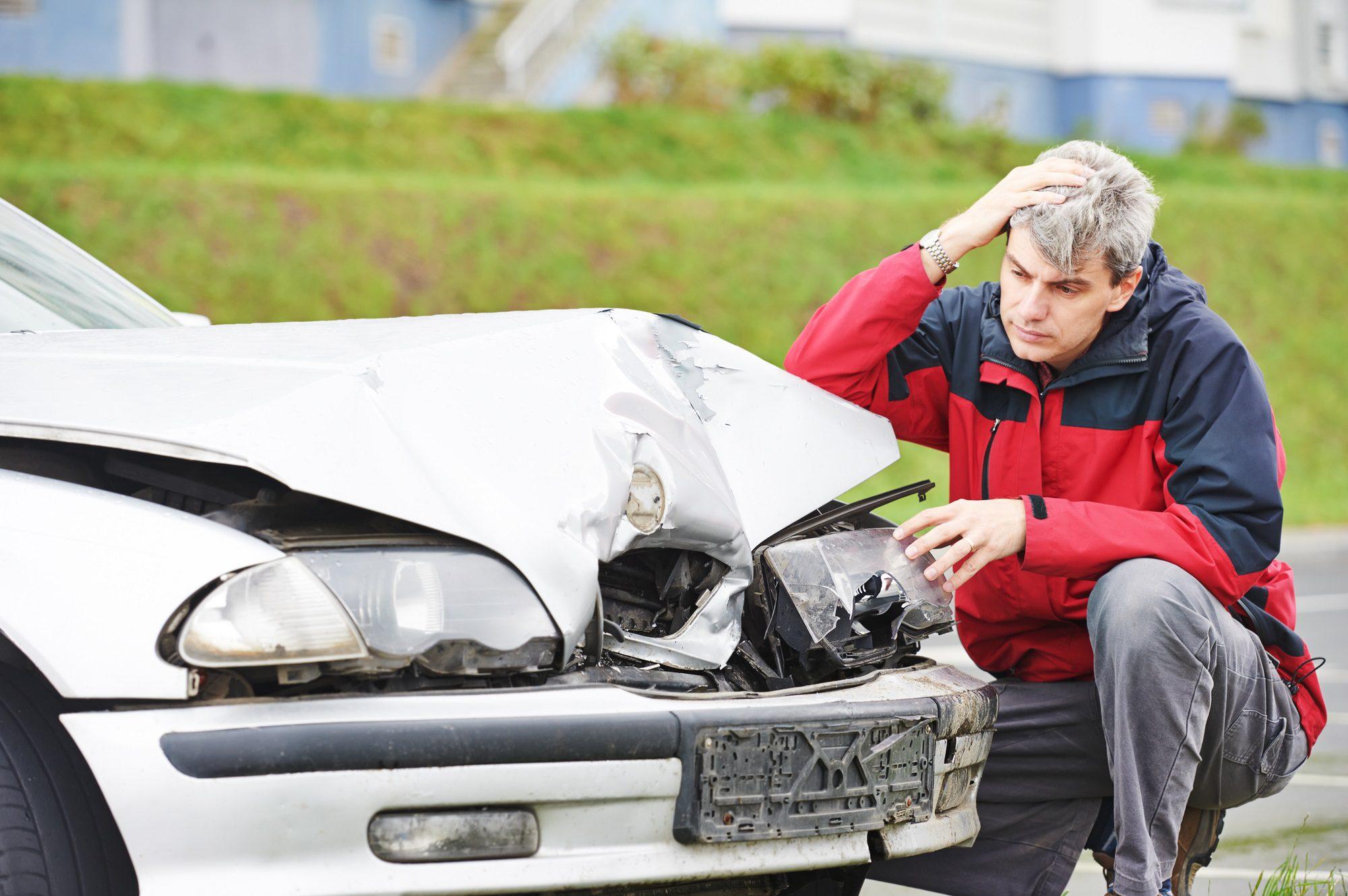 Ein Unfall und damit verbundene Schäden sind immer ärgerlich. Für die Abwicklung und Regulierung des Schadens ist eine Dokumentation per Unfallbericht, Unfallskizze und detaillierten Fotos essentiell.
