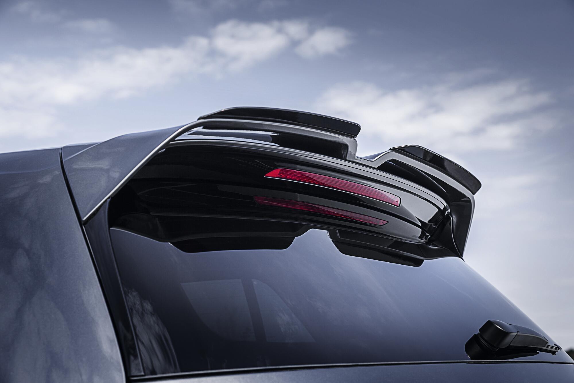 Dachkantenspoiler des VW Golf 7 R von Oettinger