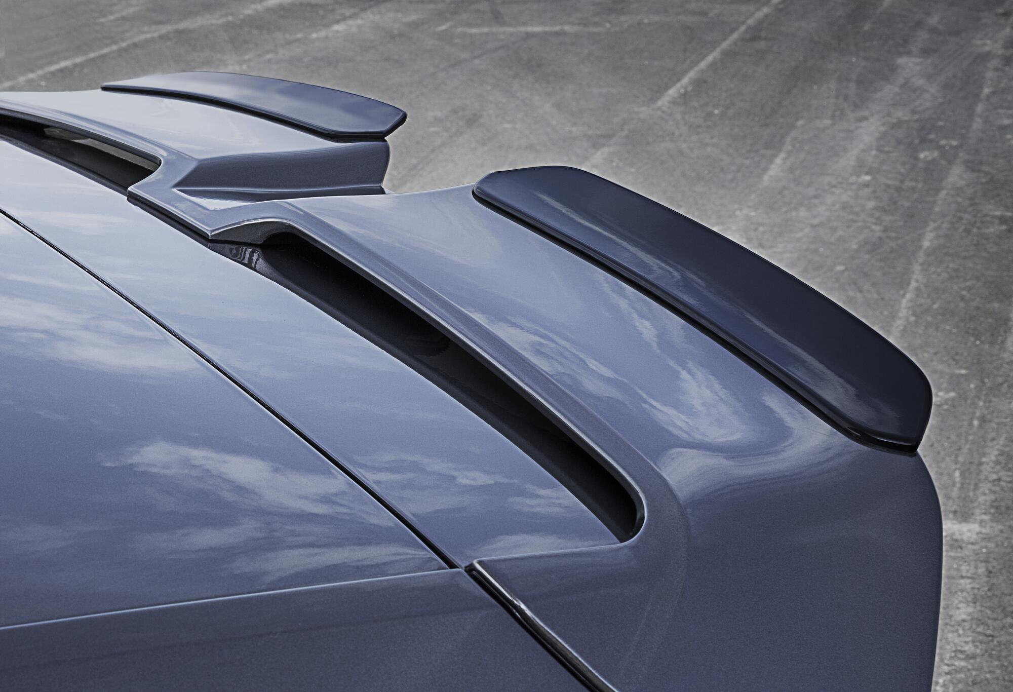 Dachkantenspoiler mit R-Wings am VW Golf 7 R von Oettinger