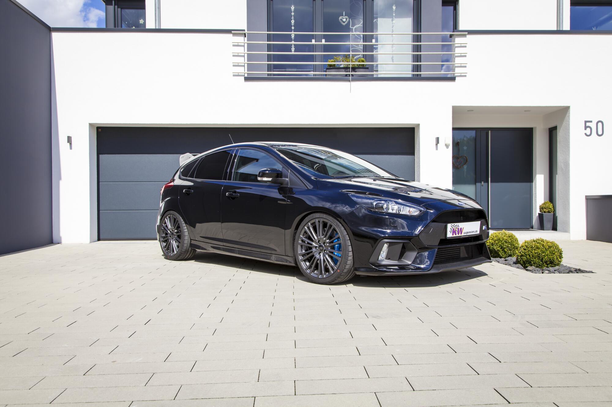 Macht vor jedem Haus eine gute Figur: Der Ford Focus RS
