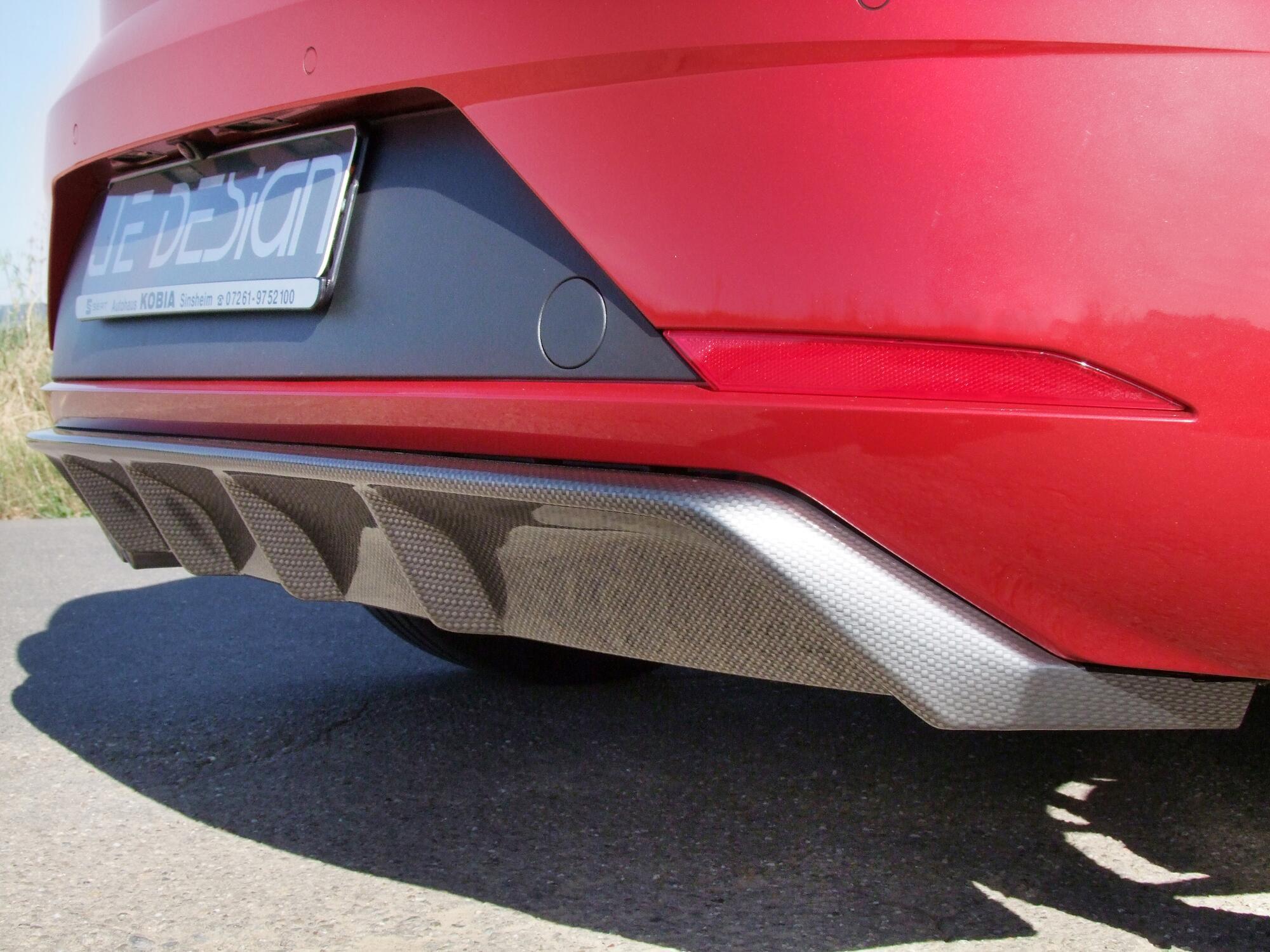 Diffusor im Carbon-Look am Seat Leon FR 5F von JE Design