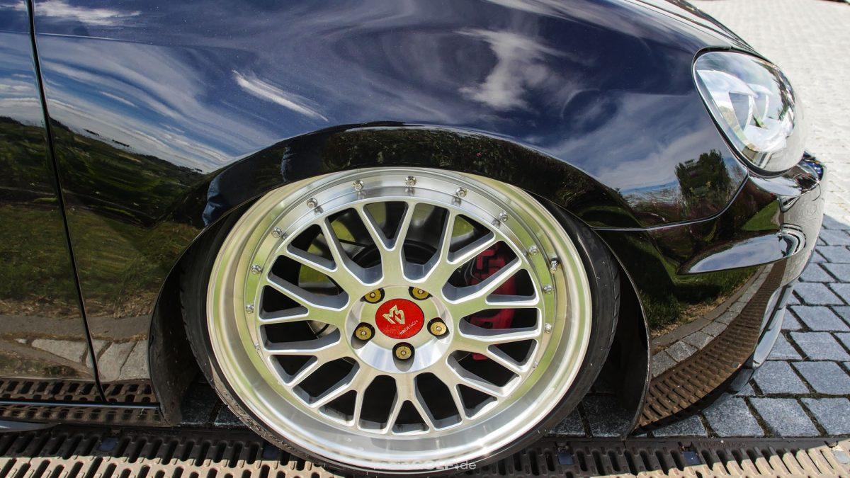 Schicke MBdesign-Räder auf dem VW Golf VI GTI