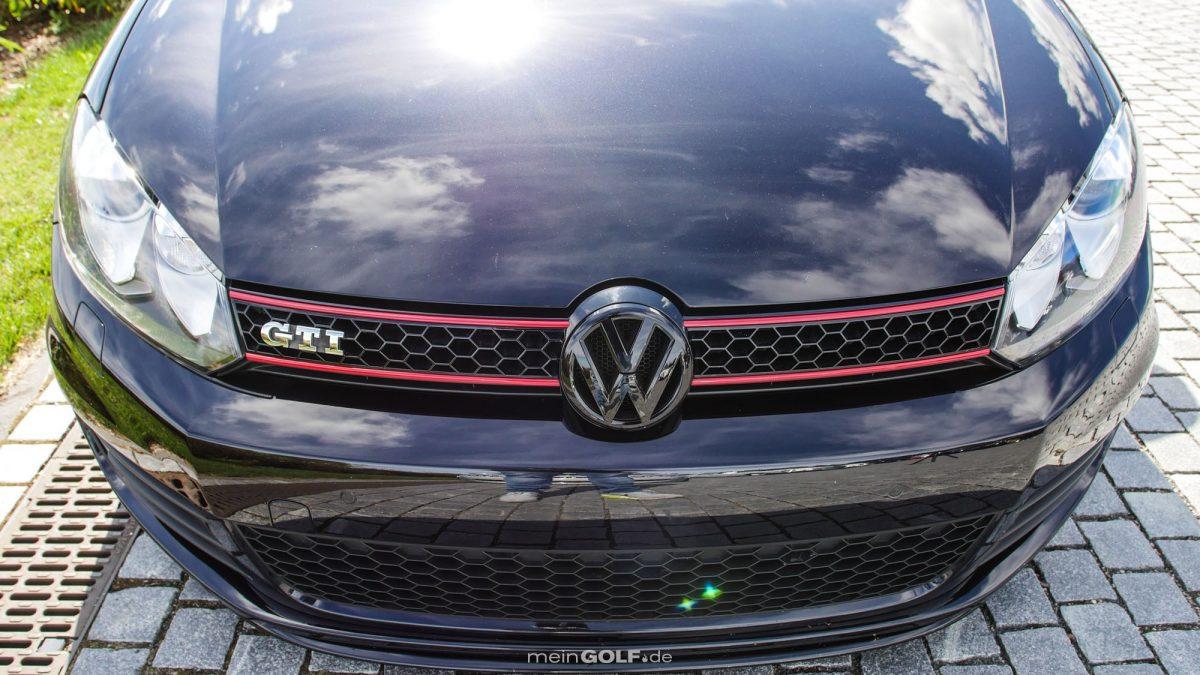 Front des VW Golf VI GTI