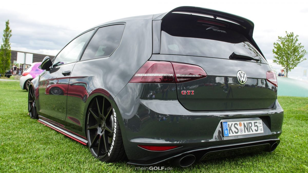 vw golf vii gti clubsport mit bodenkontakt vw news auto news von. Black Bedroom Furniture Sets. Home Design Ideas