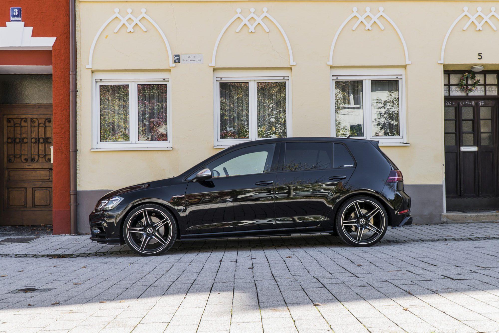 Seitenansicht des VW Golf 7 R Facelift von ABT Sportsline